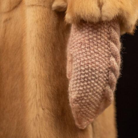 Варежки с косами (цвет секционный)